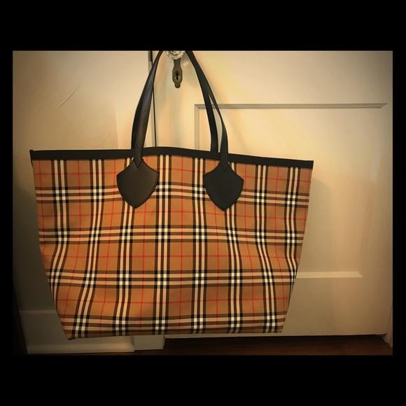 Burberry Handbags - Giant Burberry reversible tote e5f4cb7a021c8